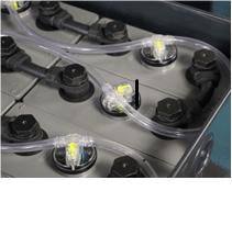 Automatisk batteri fylle anlegg
